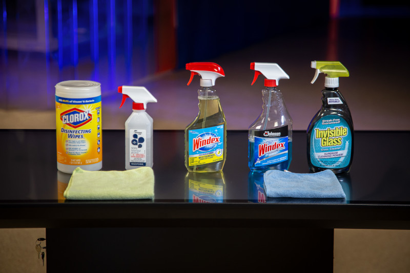 Photo of commonly used cleaning supplies.